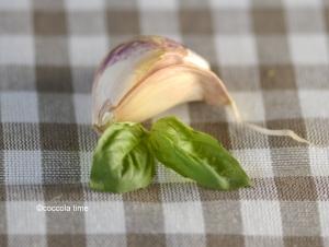 Crumble di patate e zucchine al pesto