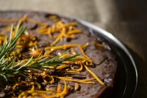 Castagnaccio  con  noci, scorze d'arancia e  rosmarino del mio giardino….