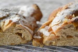 Re-Cake:  treccia integrale con confettura di pere al caramello e cannella